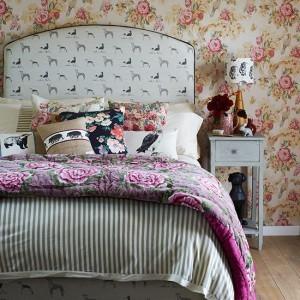 кровать в стиле эклектики