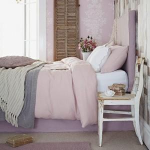 Нежная розовая спальня