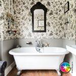 Оригинальная ванная с черно-белым узором