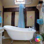 Ванна люкс в деревенском интерьере!