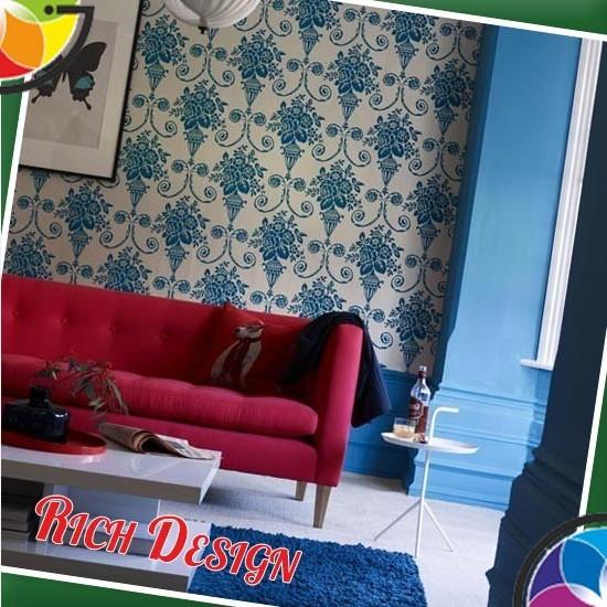 Оригинальный дизайн интерьера в синих и красных цветах