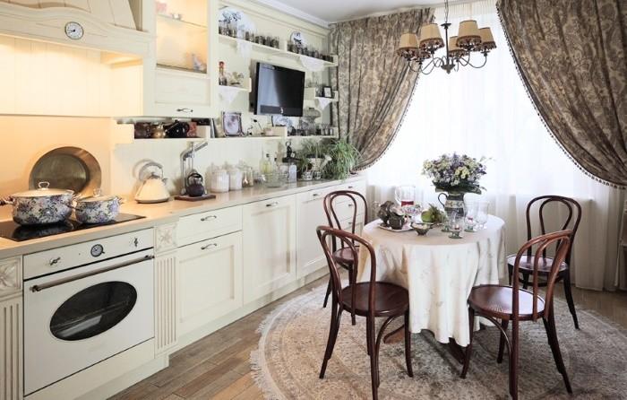 Графин на кухне: оригинальный способ украсить интерьер